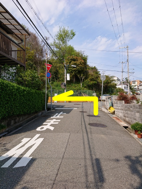 神戸水天宮の近くの丁字路。