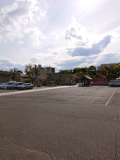 和田神社の駐車場。