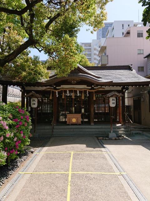 サムハラ神社の境内。