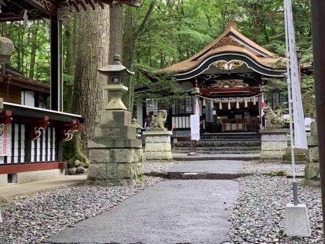 新屋山神社の写真画像。